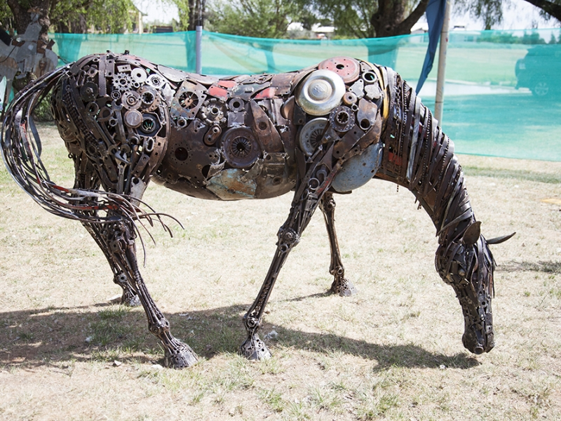 2014 Farm Art Sculpture Award Winner, Stuart Taylor's Grazing Horse